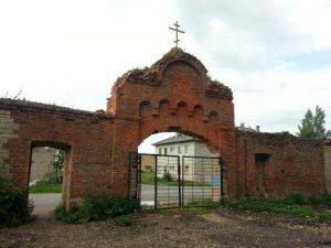 Возрождающийся Пятогорский монастырь отметил престольный праздник