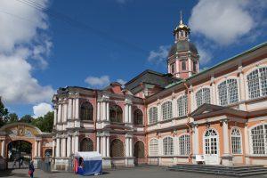 В Александро-Невской Лавре открылась выставка «Православные храмы, скальные церкви Болгарии»