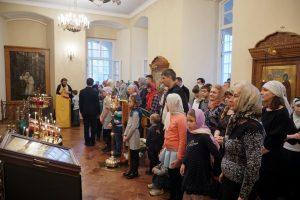 В Детской Воскресной школе совершена первая Божественная Литургия и молебен на начало нового учебного года